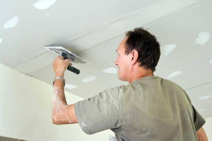 Какой потолок лучше выбрать - натяжной или из гипсокартона?