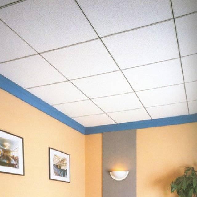 Снимаем с потолка старую пенопластовую плитку