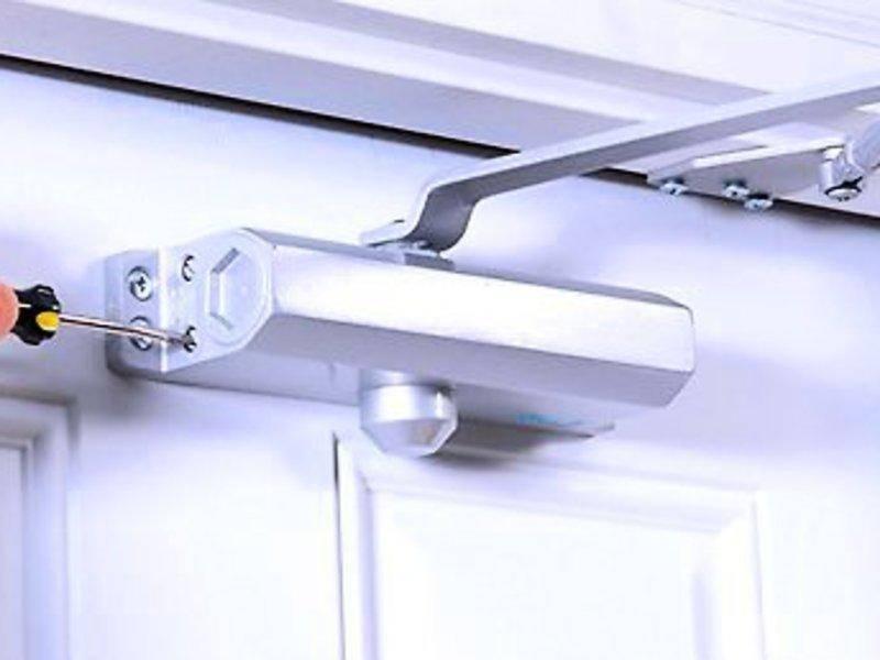 Морозостойкий доводчик на уличные двери. как установить и починить