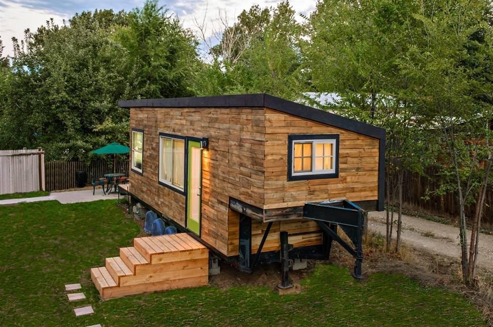 Как сделать летний дачный домик своими руками