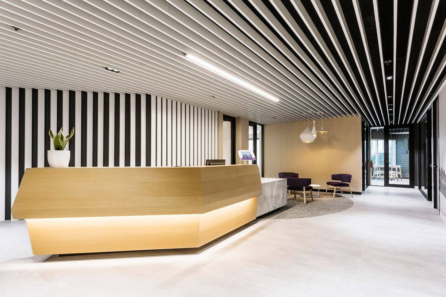 Кубообразный реечный потолок himmel: цена и дизайн для офиса, ламинированный под дерево