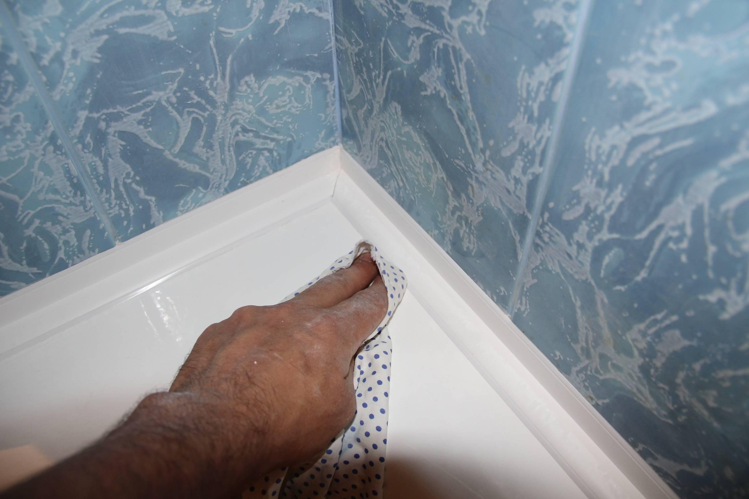 Бордюр для ванны: обзор вариантов и рекомендации по установке