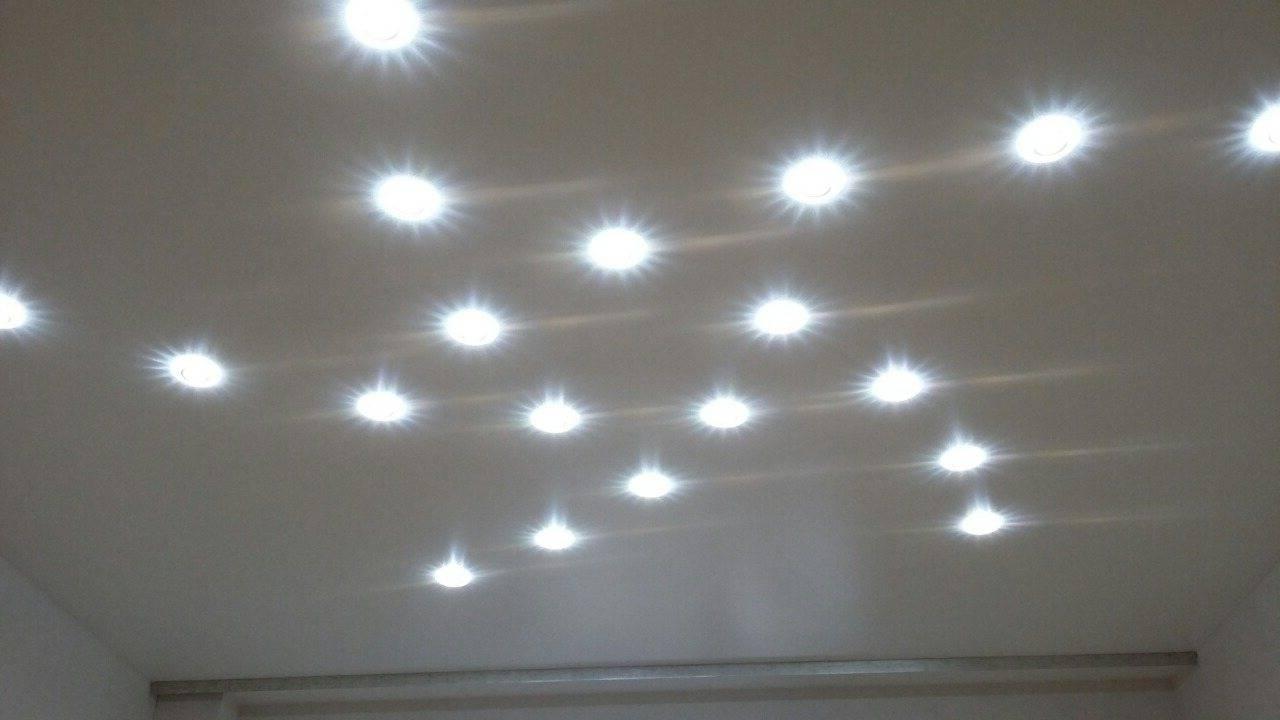 Точечные светильники для гипсокартонных потолков: установка по установке, размеры, видео и фото