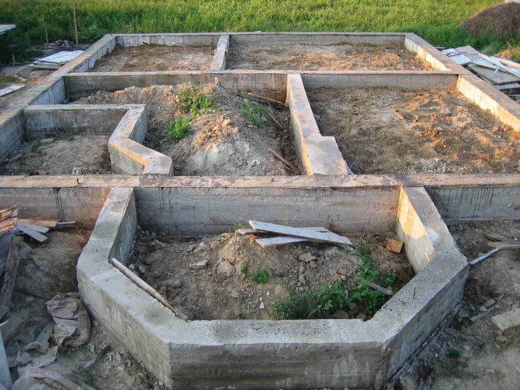 Деревянный дом своими руками: инструкции и рекомендации по строительным работам. этапы монтажных и отделочных работ