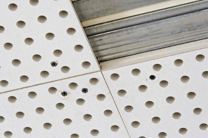 Подвесные акустические потолки армстронг и сlipso, монтаж потолочных панелей своими руками: инструкция, фото и видео