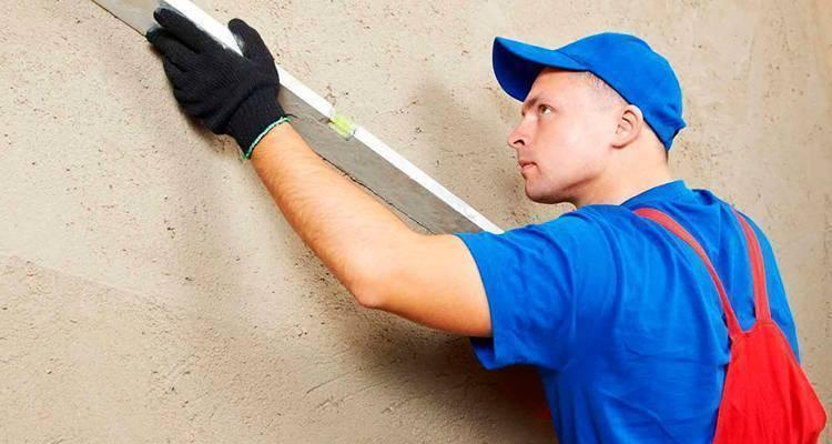 Какая штукатурка лучше для выравнивания стен в квартире