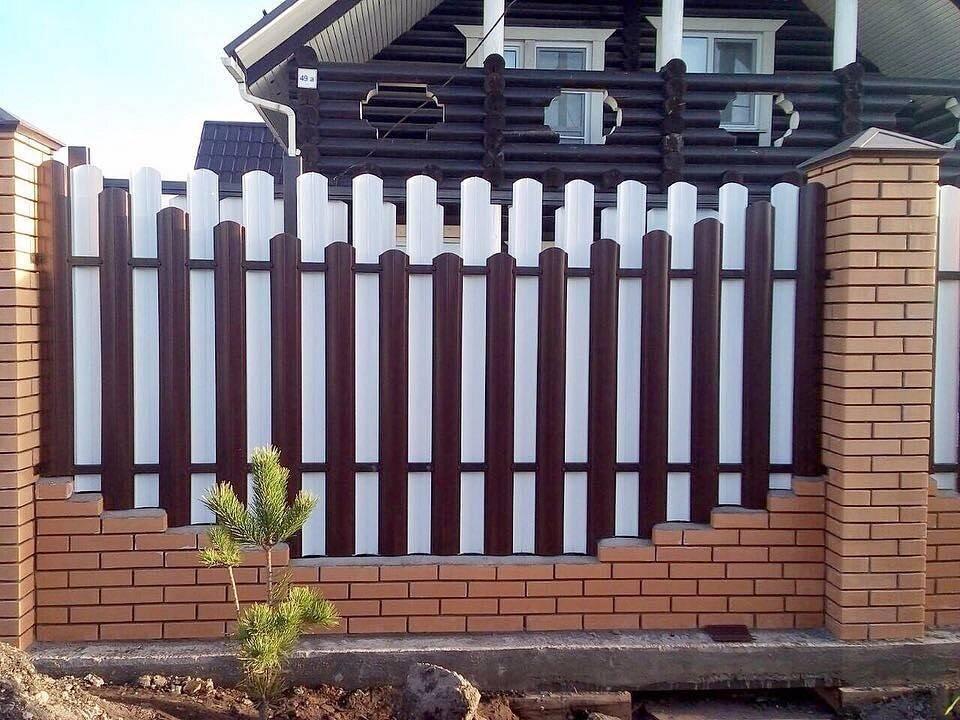 Красивый забор для частного дома — интересные идеи, современные решения, стильное фото