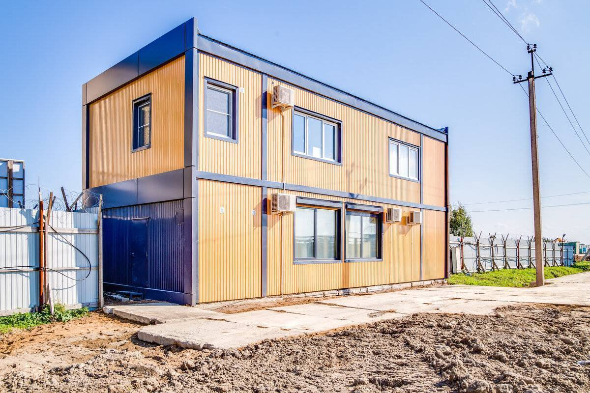 Дома из металлопрофиля: что такое и как строить