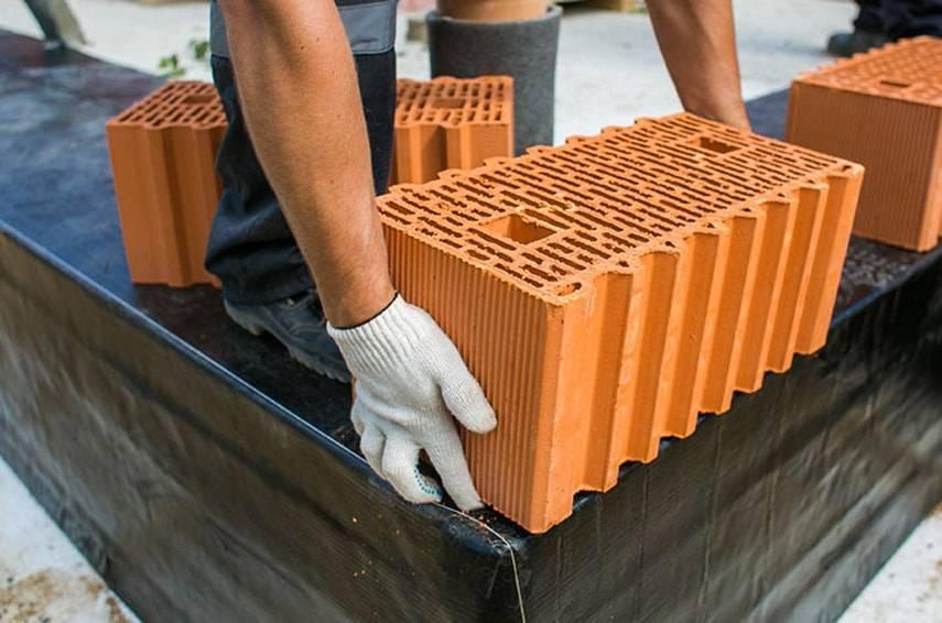 Керамические или газобетонные блоки – что выбрать?