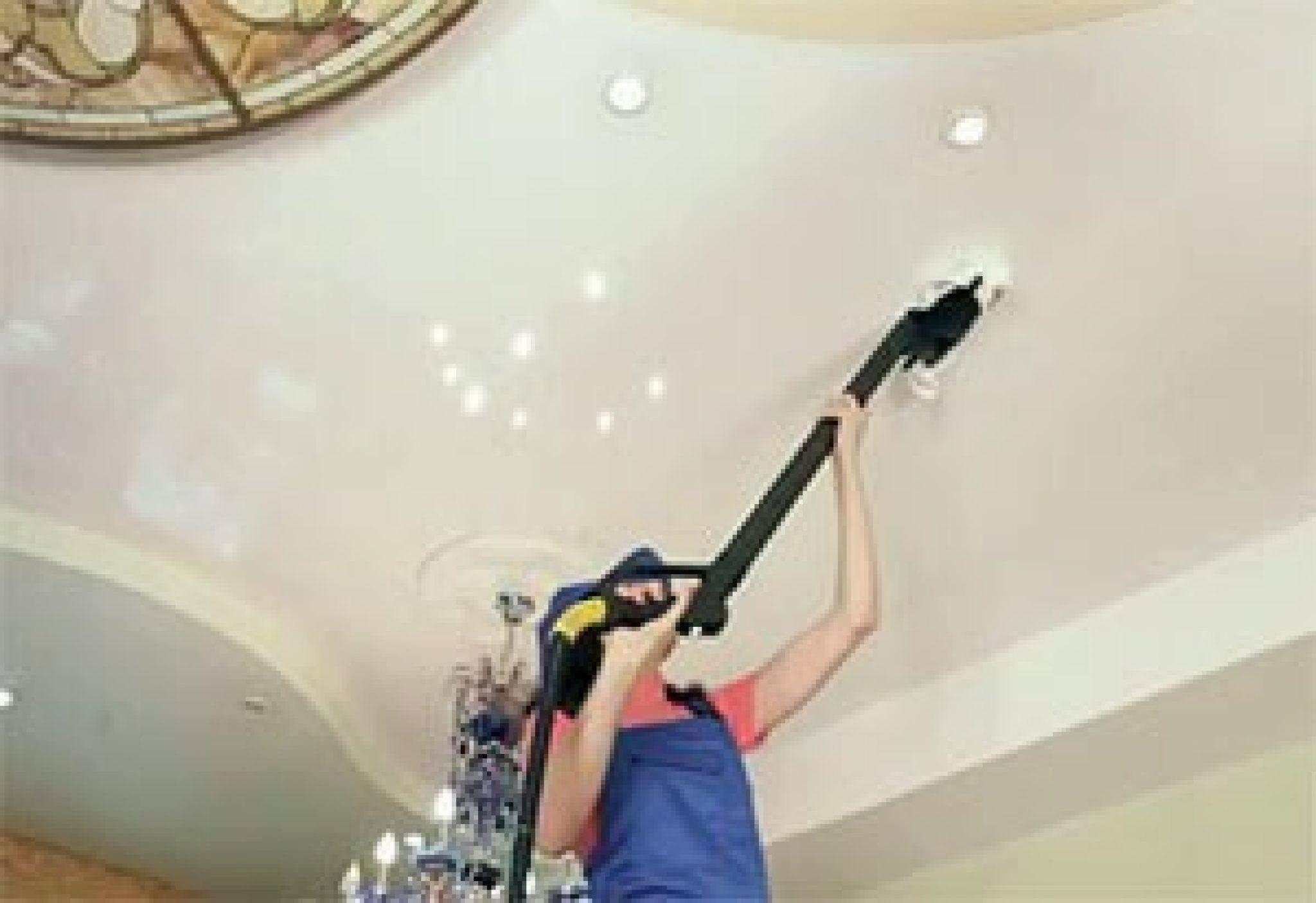Как правильно мыть глянцевые натяжные потолки без разводов в домашних условиях