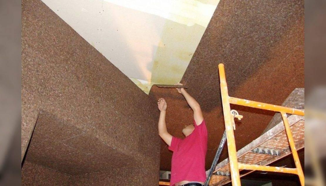 Виды потолочной плитки по принципу изготовления и типу поверхности: критерии выбора