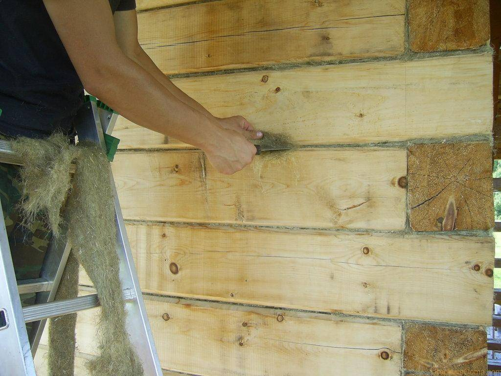 Как конопатить дом из бруса: методы и материалы