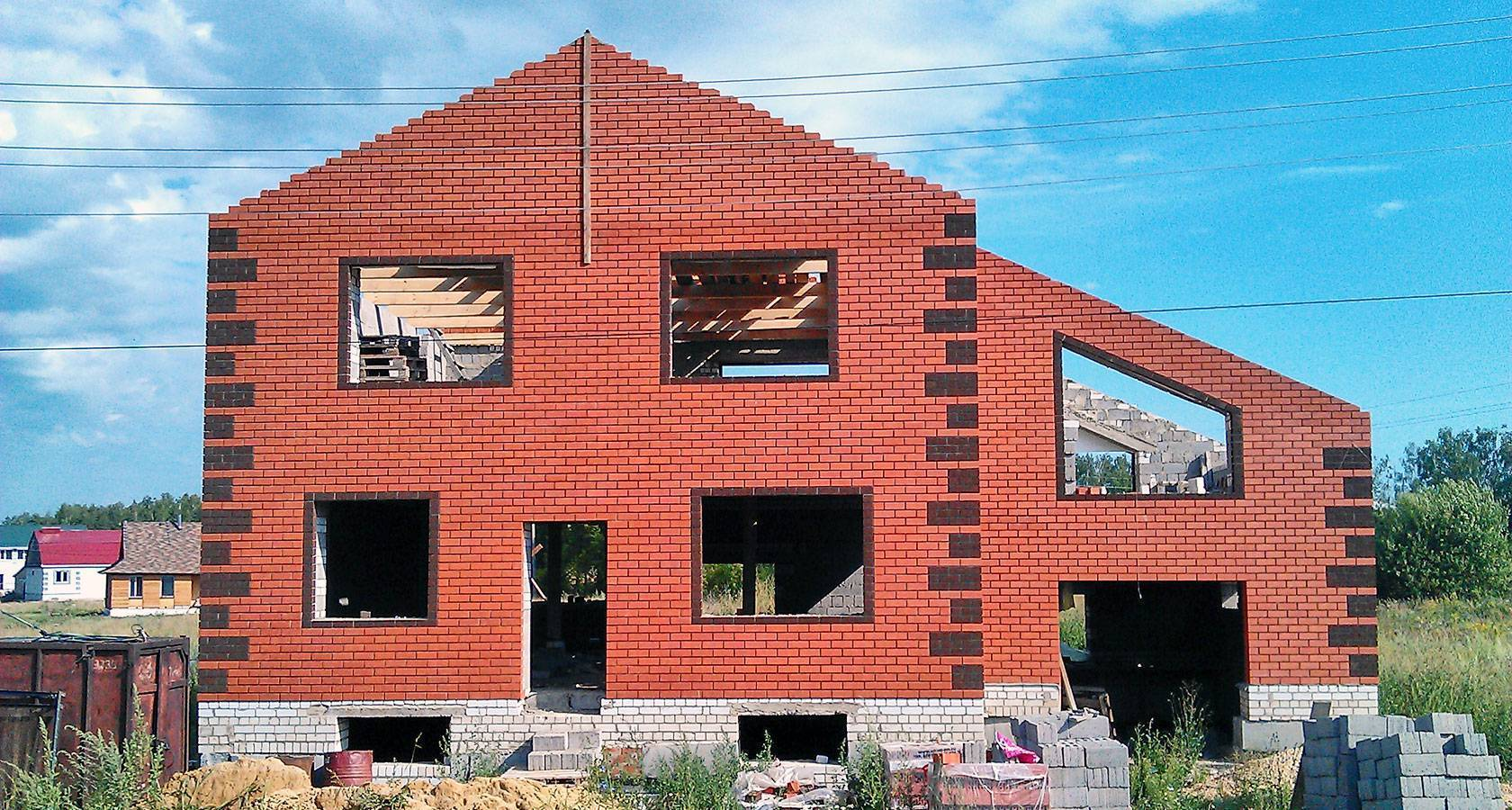 Из какого кирпича лучше строить дом: виды и их особенности