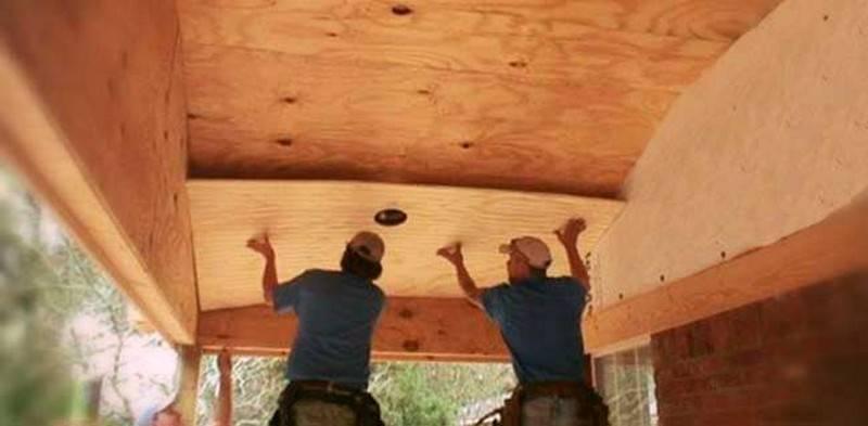 Как обшить фанерой потолок в деревянном доме