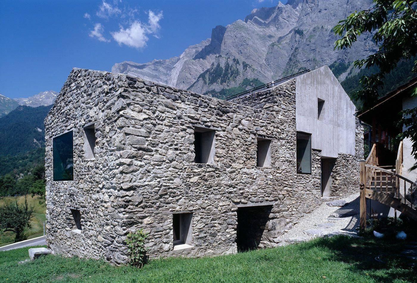 Дом из природного камня своими руками