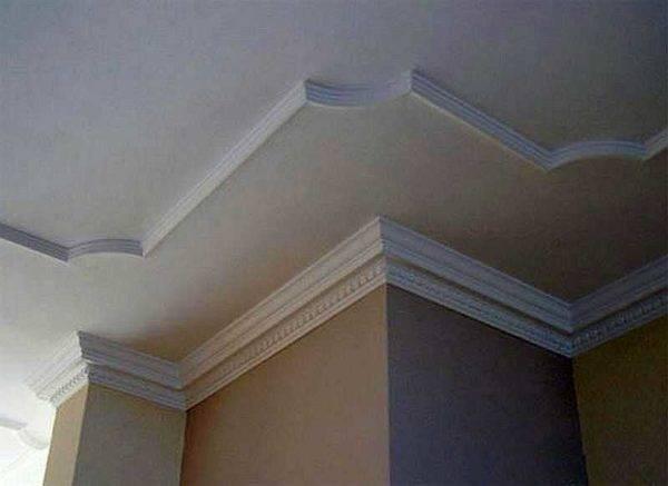 Использование молдингов на стенах и потолке в дизайне интерьера спальни, гостиной, кухни — ivd.ru