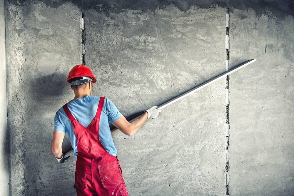 Как выровнять стену штукатуркой: подробная инструкция в 3 шага
