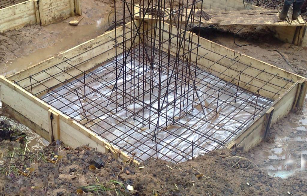 Усиление столбчатых фундаментов: способ буронабивных или выносных свай