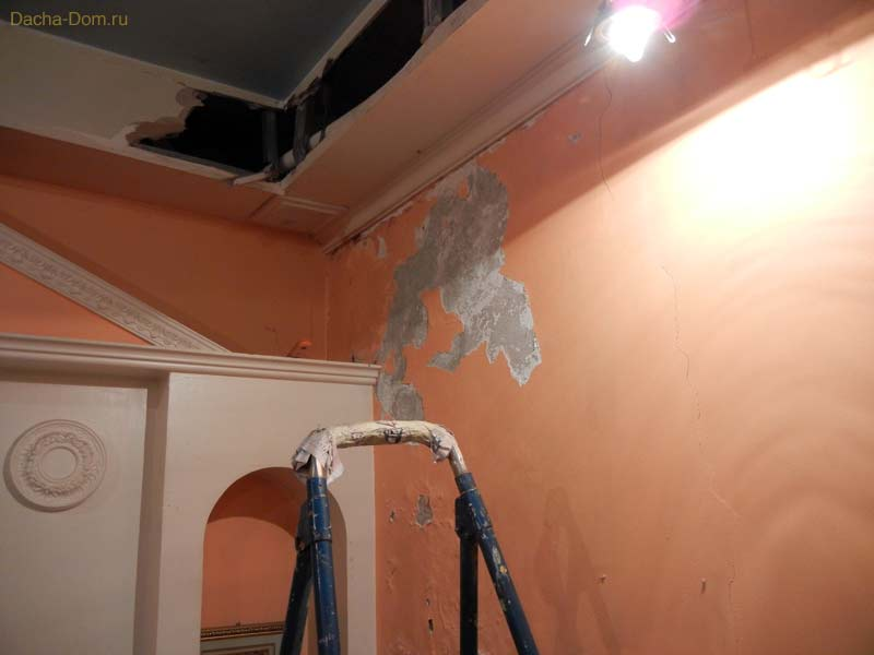 Ремонт потолка своими руками после протечки и образец сметы