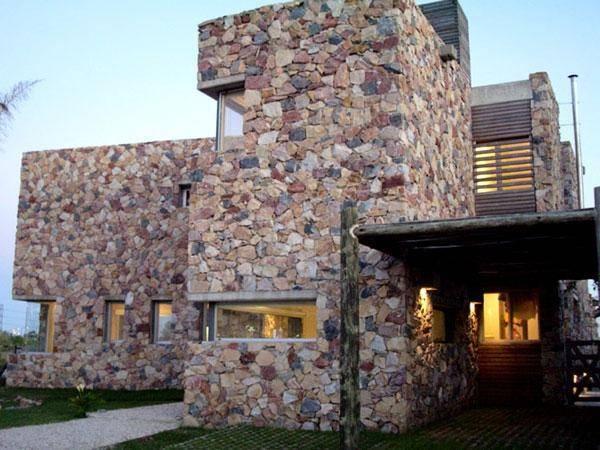 Строительство и отделка дома природным камнем
