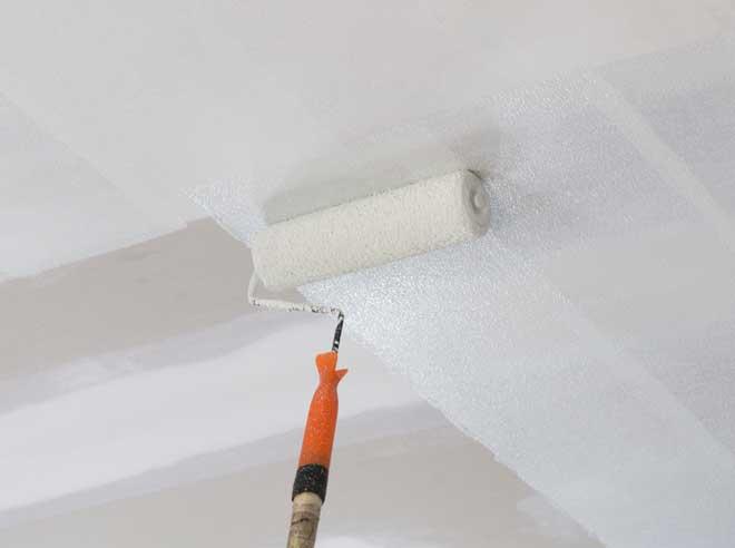 Каким валиком красить потолок: подготовка поверхности, выбор краски и инструмента, тонкости покраски потолка