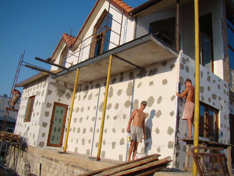При какой температуре можно утеплять фасад пенопластом