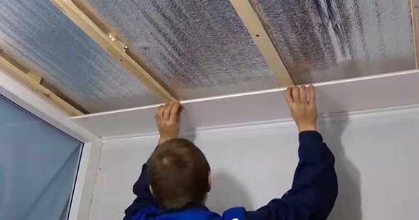 Отделка потолка панелями пвх своими руками: технология обшивки пластиком (видео)