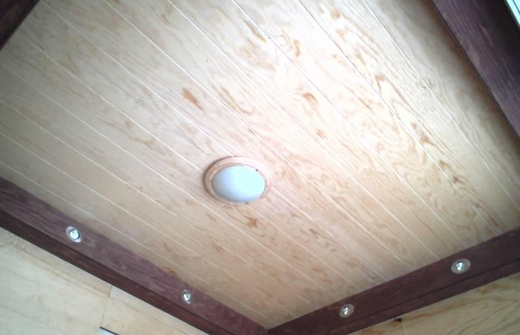 Монтаж древесноволокнистых плит (двп) на потолок