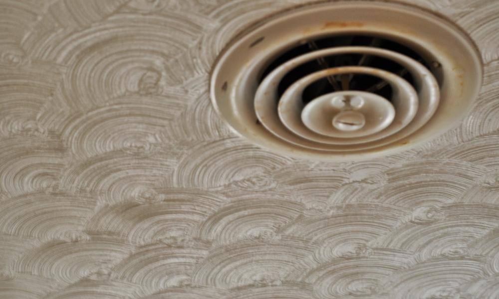 4 лучших вида декоративной штукатурки для потолка. как нанести состав?