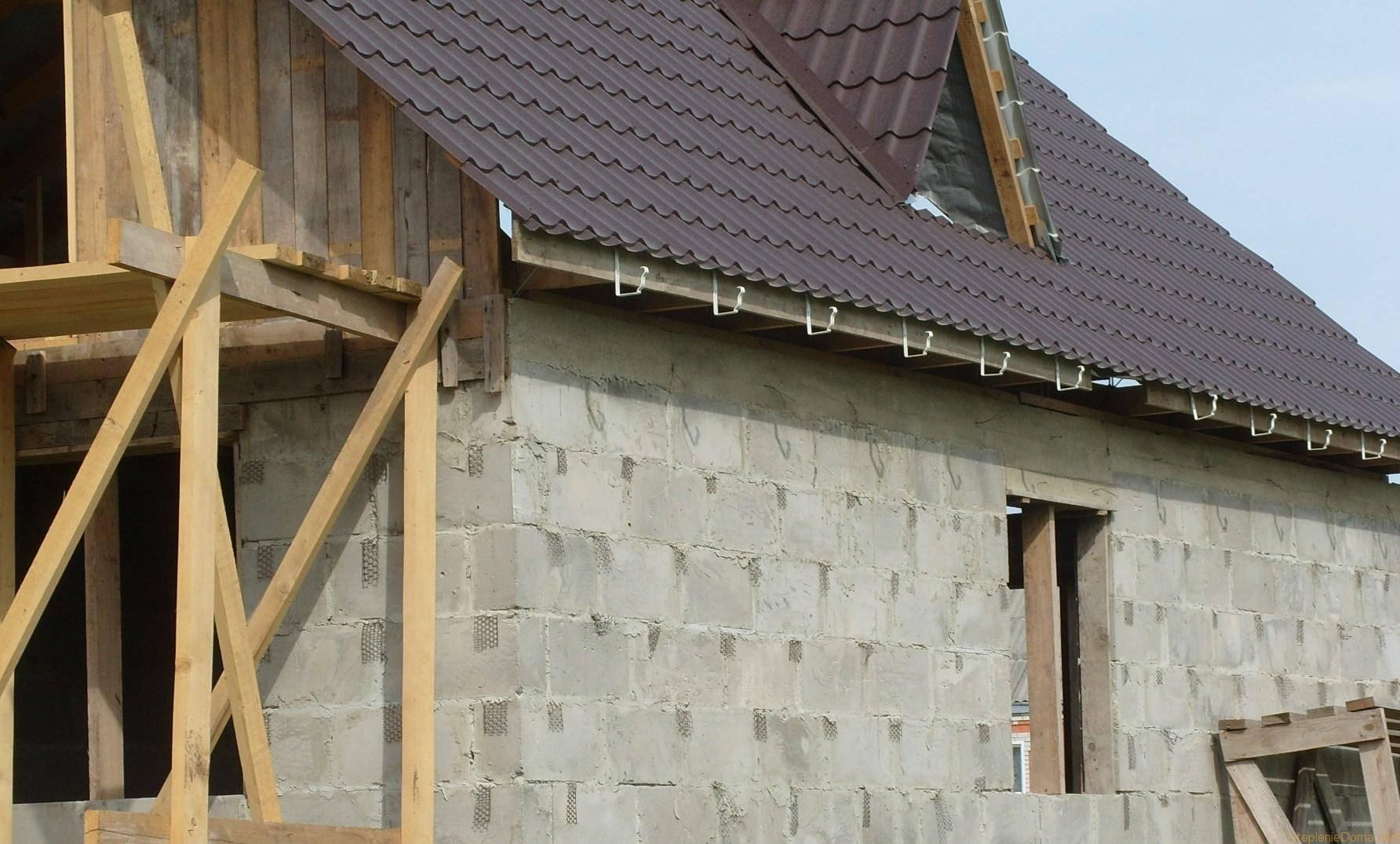 Чем стоит отделать стены из газобетона внутри и снаружи дома