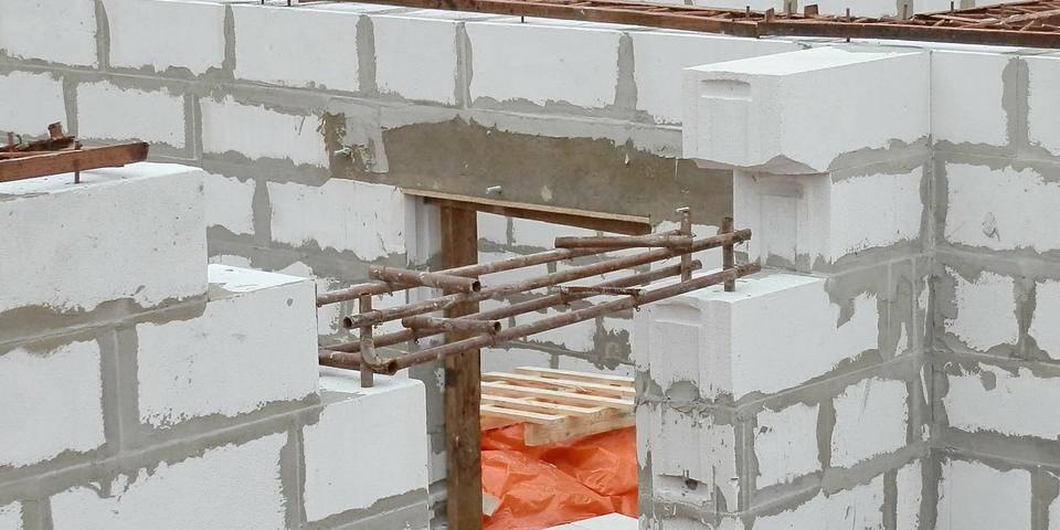 Строительство дома из газолисиликатных блоков своими руками