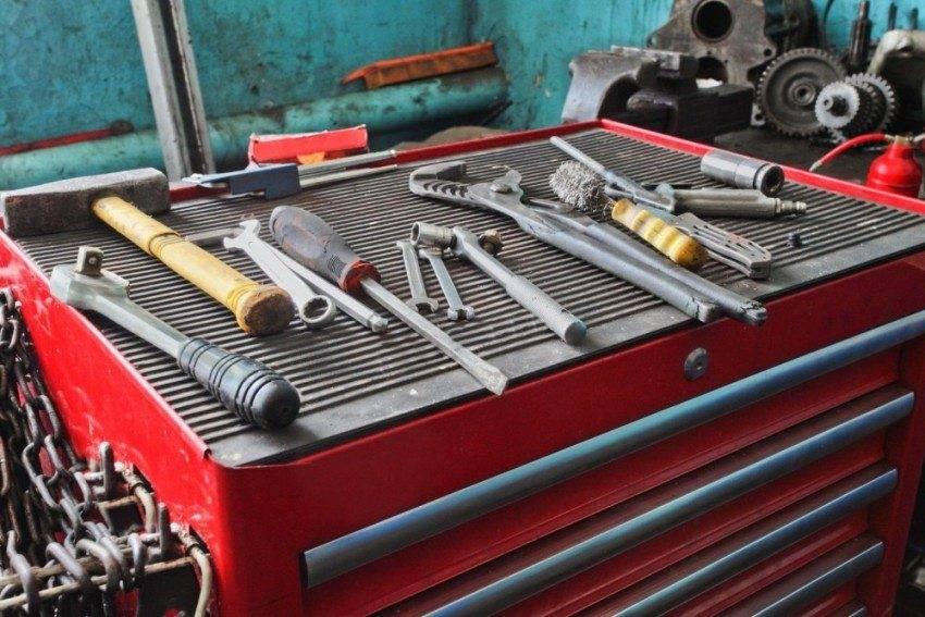Самоделки для гаража: идеи, полезные приспособления, все для гаража своими руками