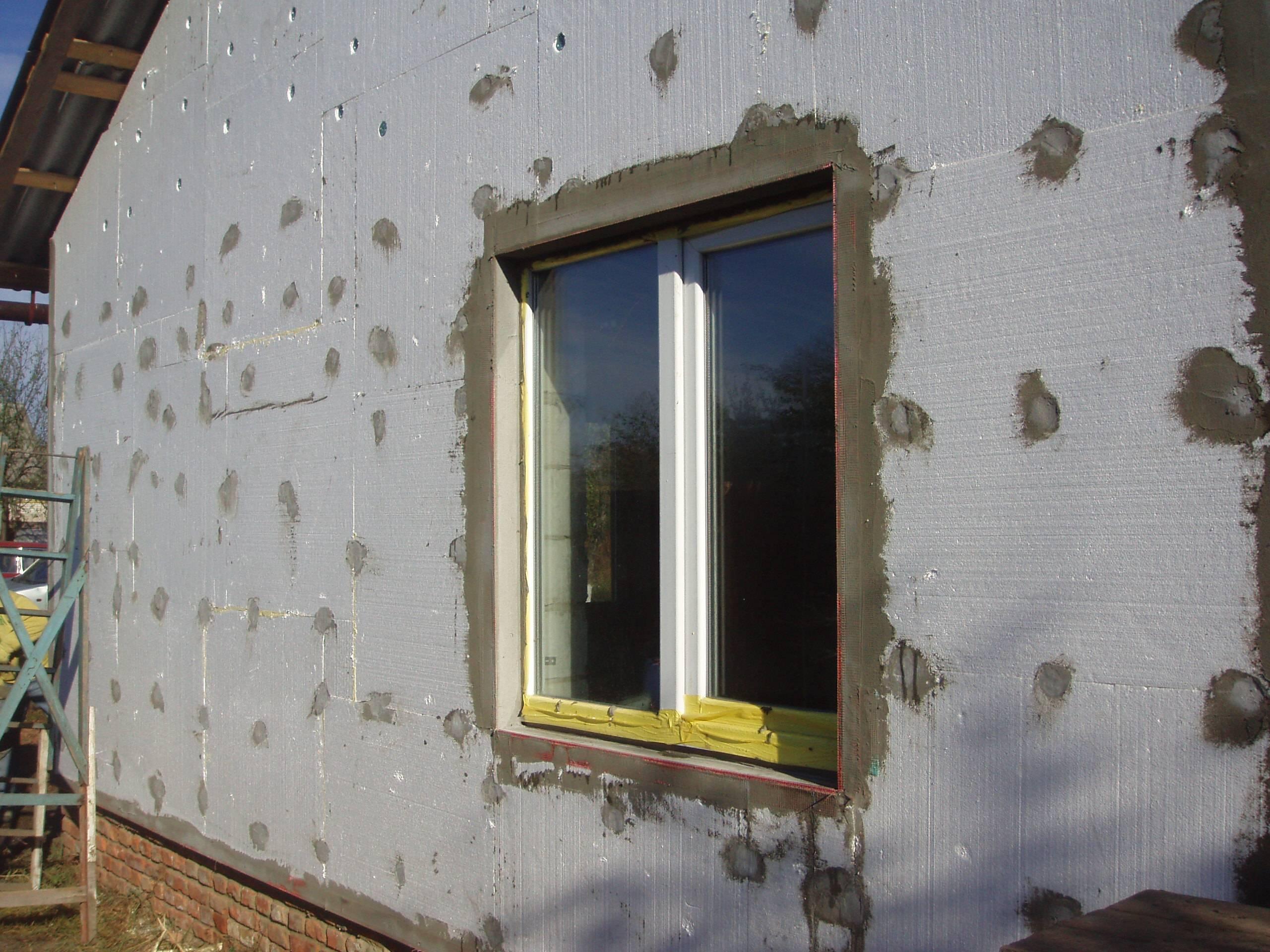 Утепление стен пенопластом снаружи дома своими руками