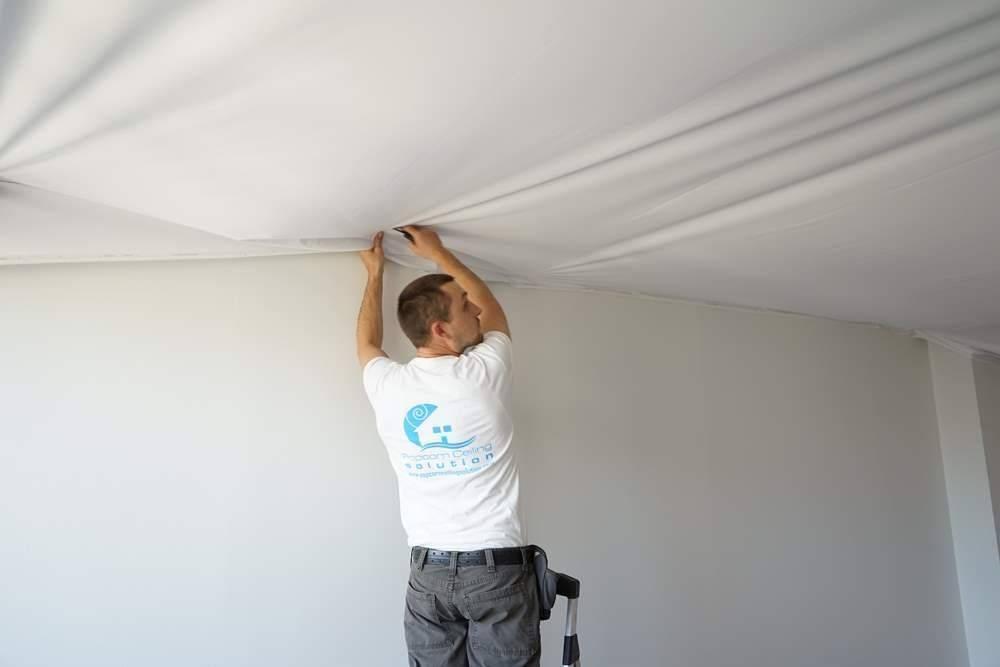 Натяжной потолок своими руками без нагрева - фото монтажа и описание состава ткани!