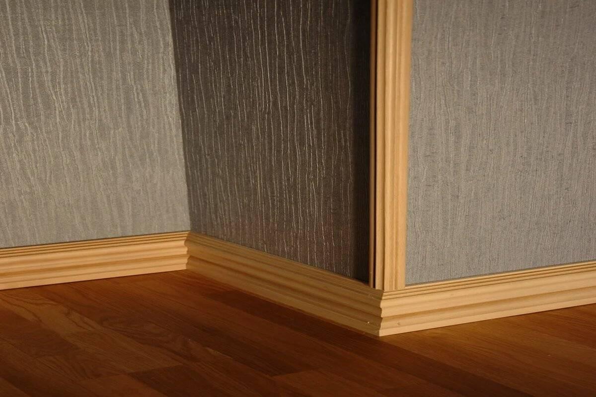 Чем приклеить пластиковый уголок к стене и к откосу окна пвх