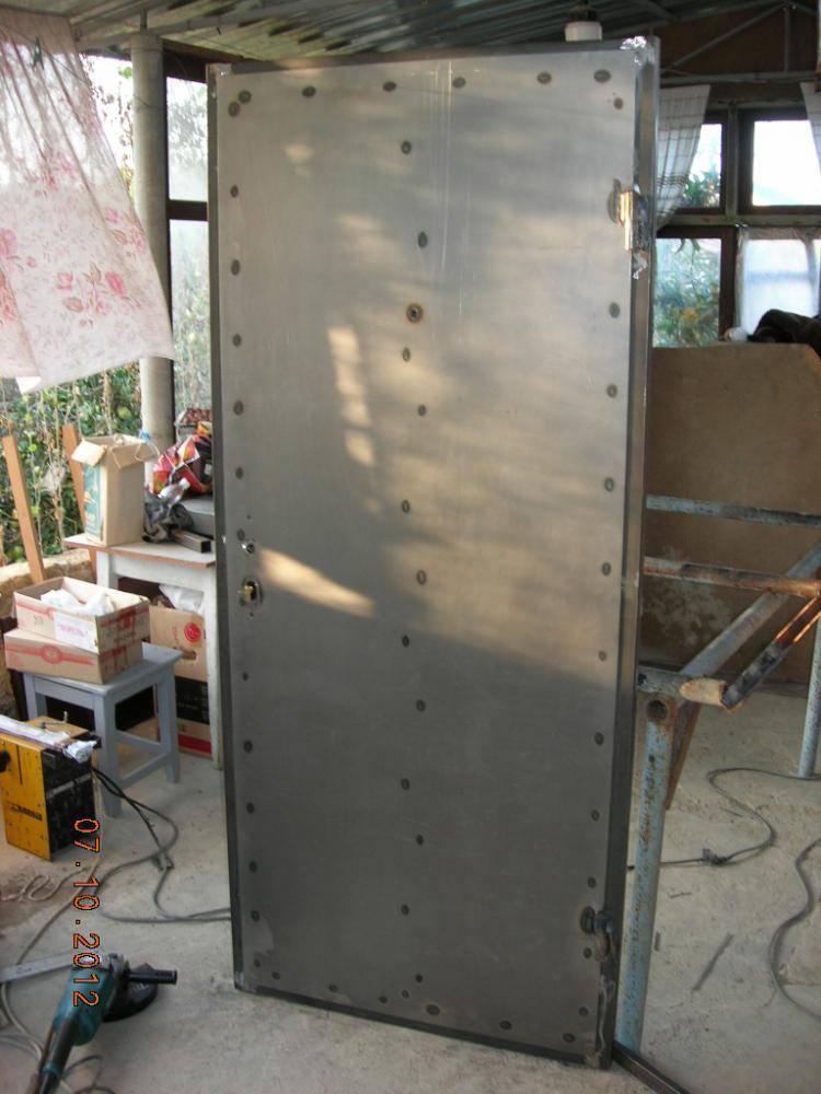 Установка входной металлической (стальной) двери своими руками в квартире или частном доме: инструкция как правильно установить, видео » verydveri.ru
