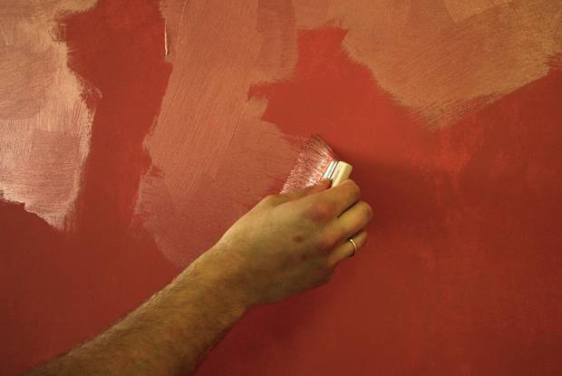 Декоративная краска для стен: эффекты, способы нанесения