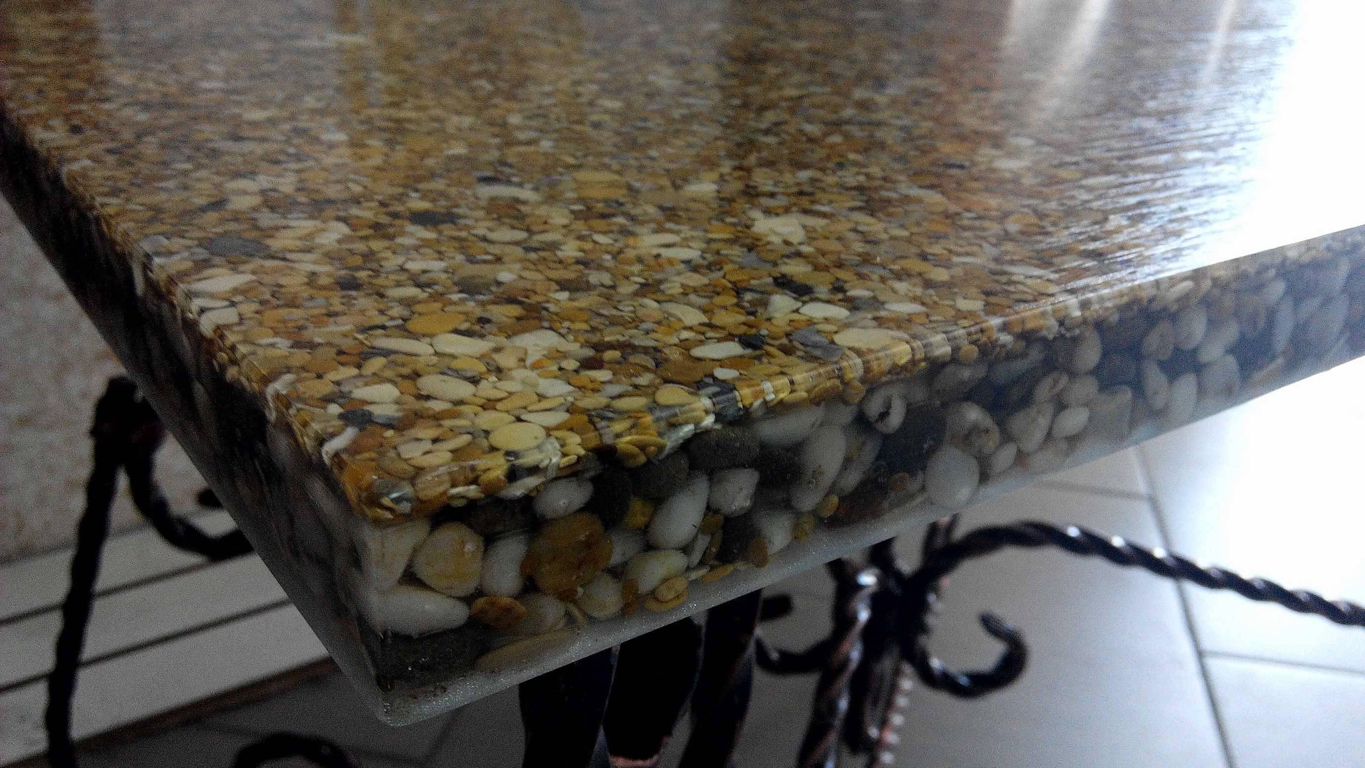Как сделать стол из эпоксидной смолы: особенности изготовления