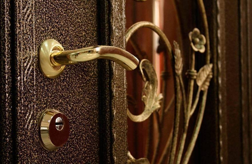 Как выбрать входную металлическую дверь: советы профессионала