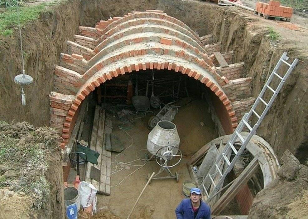 Устройство погреба своими руками на даче в частном доме +75 фото