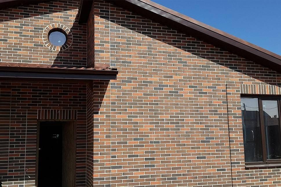 Баварская кладка для фасадов домов облицованных кирпичом и заборов, виды отделки фасада флеш, бордо, магма и другие текстуры, варианты одноэтажных проектов