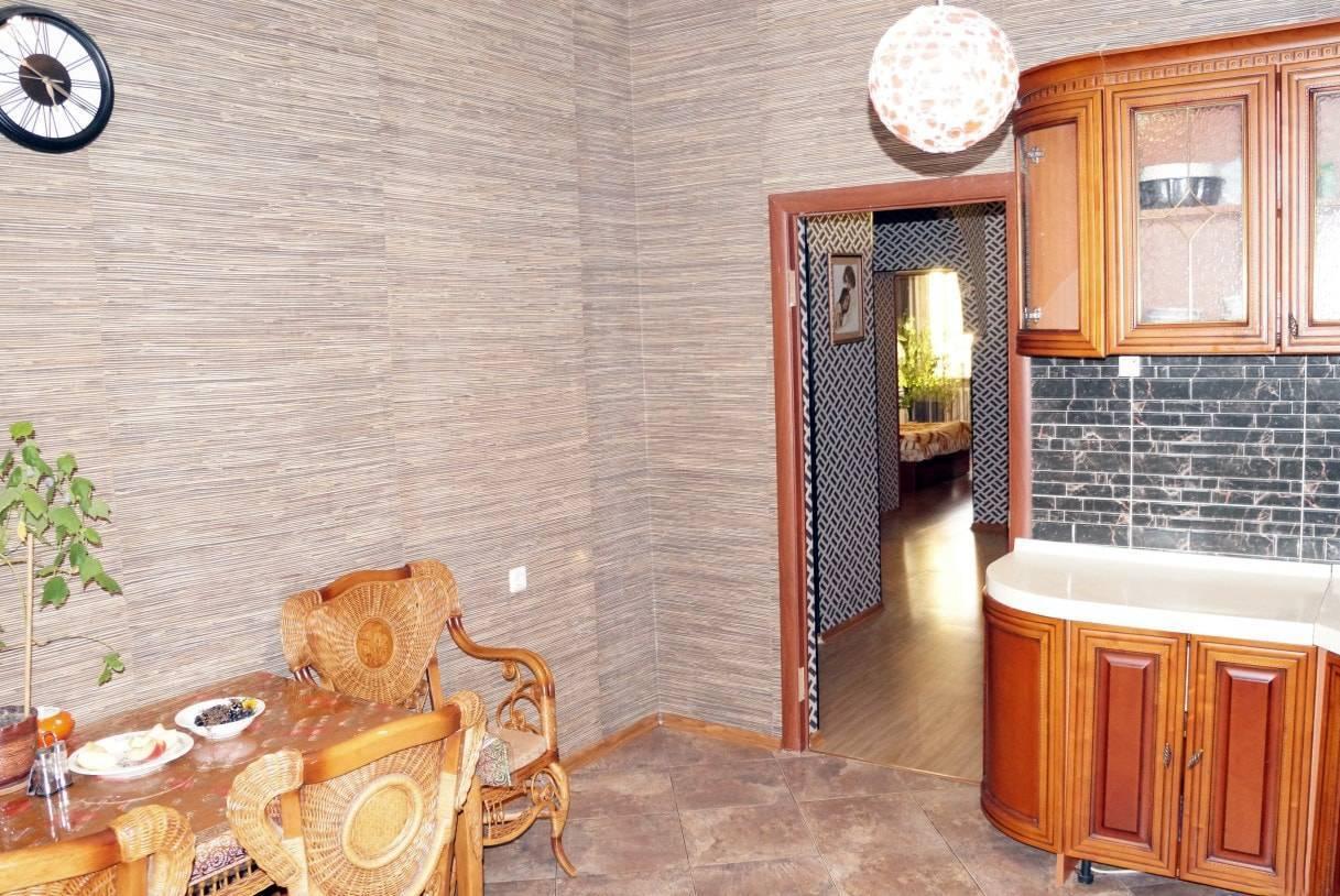 Чем можно отделать стены на кухне, кроме обоев и плитки (фото)