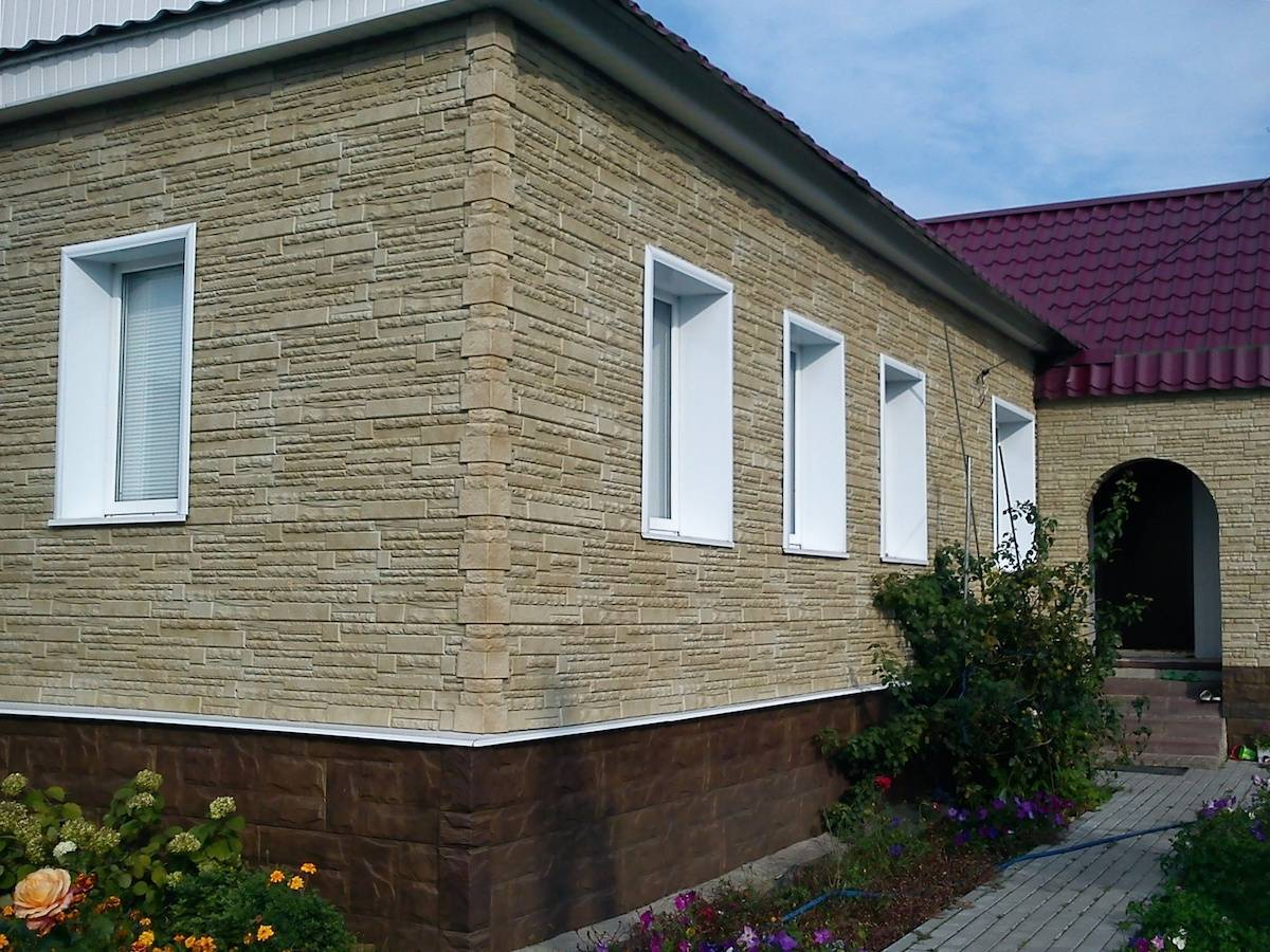 Отделка фундамента дома панелями под камень: фото отделка фундамента дома панелями под камень: фото