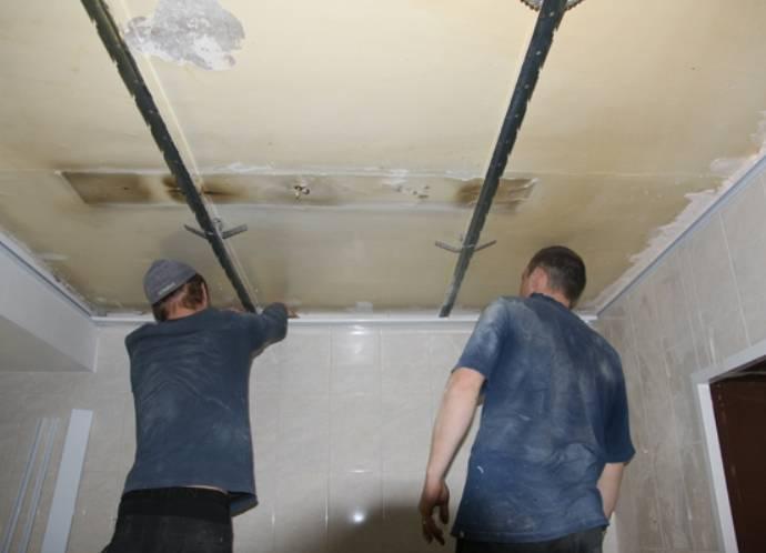 Реечный подвесной потолок из алюминия в ванную: цена монтажа, особенности установки, как собирать своими руками, схема с фото и видео, где заказать