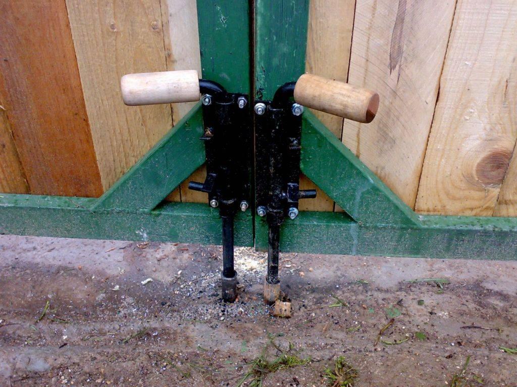 Упор для гаражных ворот от ветра своими руками: как сделать на распашные стопор антиветер, фото, видео