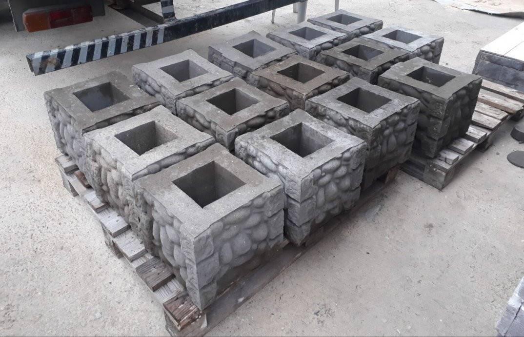 Столбы для забора (47 фото): декоративные винтовые и деревянные столбики, блоки для установки ограждения