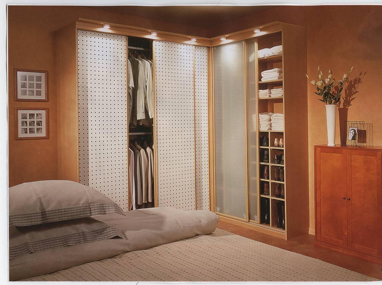 Шкаф-купе в спальню: фото дизайна, соврменные идеи интерьера