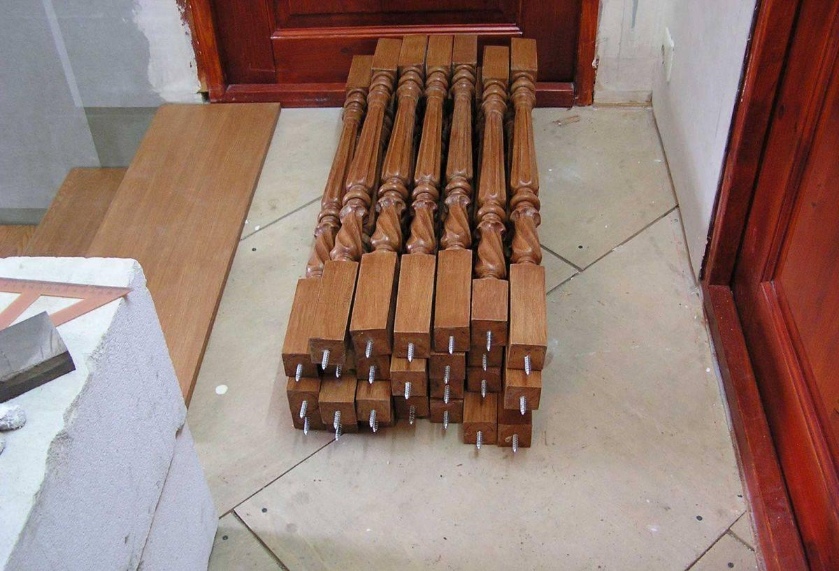 Как крепить деревянные балясины к бетону