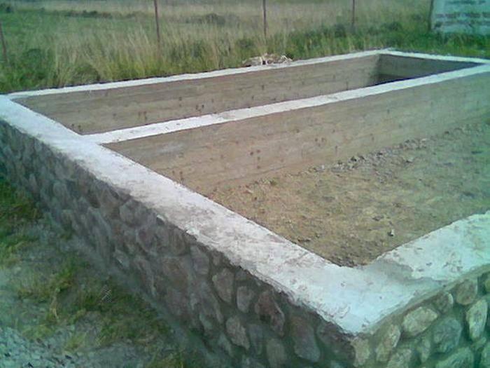 Ленточный фундамент из бутобетона