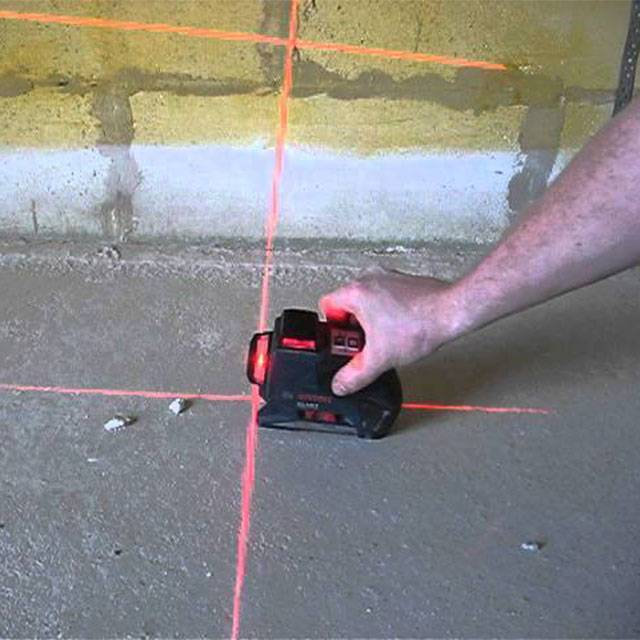 Как пользоваться лазерным уровнем для выравнивания пола, стен, укладки плитки, видео